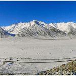 Hiking-along-Dalton-Highway-Photo-c-Laurent-Dick-Wild-Alaska-Travel